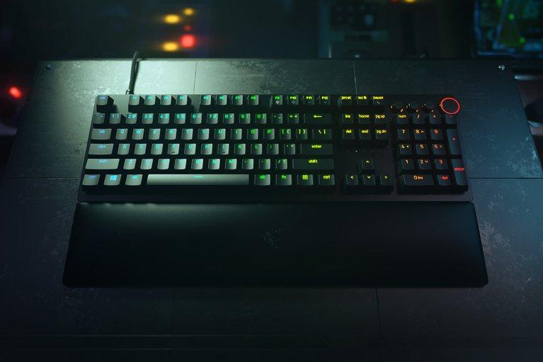 Razer Huntsman V2 - Linear Optical Switch - US