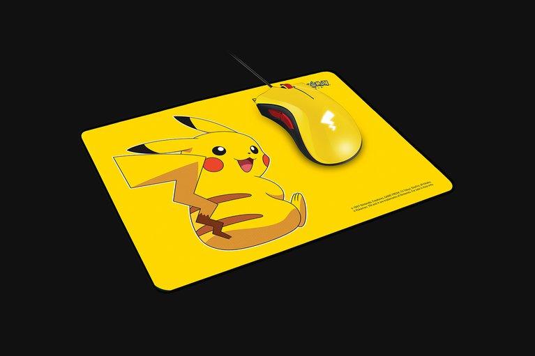 Razer DeathAdder Essential + Razer Goliathus Speed Pikachu Limited Edition